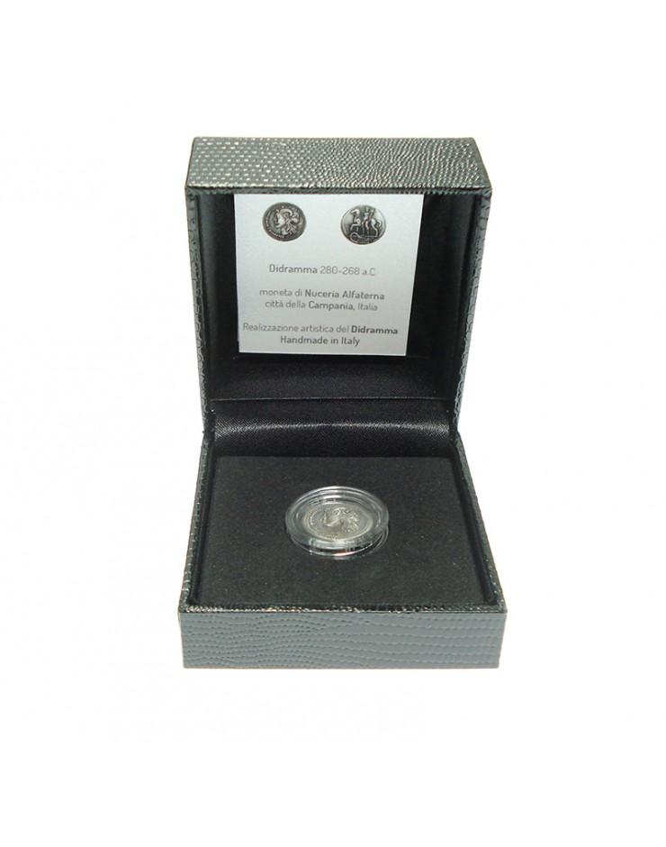 Moneta - Realizzazione Artistica in Argento del Didramma - Antica Moneta di Nuceria Alfaterna, Città della Campania - Italia - Made in Nuceria